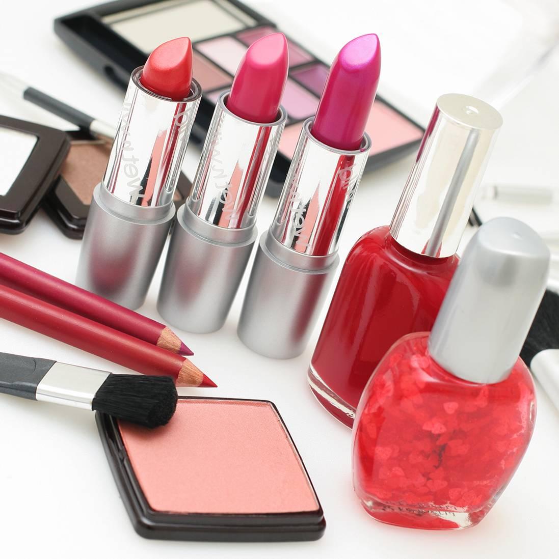 Líčenie – Trvanlivosť Kozmetických Výrobkov A Starostlivosť O štetce