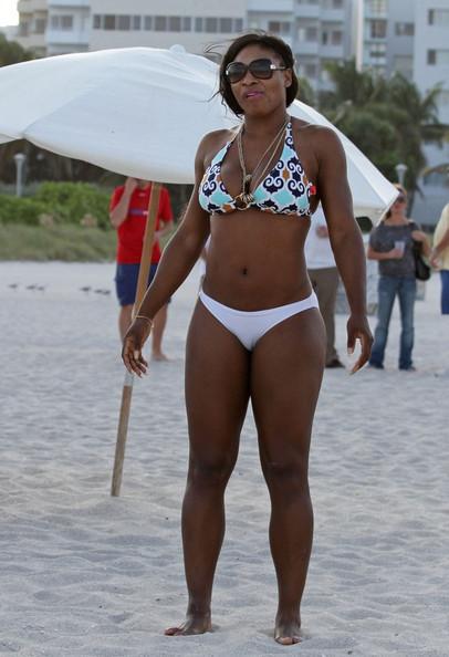 Celebrity A Tvar Postavy – Serena Williams – Objemné Stehná
