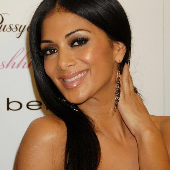 Celebrity A Farby – Nicole Scherzinger – Tmavá Zima