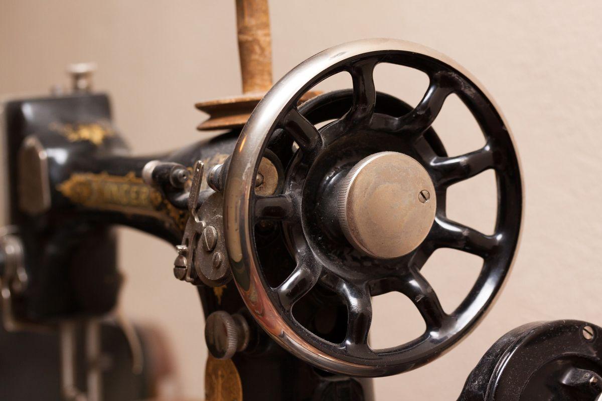 sewing-machine-1789198_1920